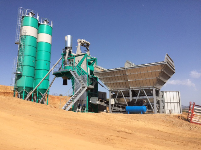 <h1>NEW MOBILE BATCHING PLANT FOR CMC</h1><p>Nearly completed the second mobile batching plant IMER GROUP for CMC in Algeria.</p> <p>It is an<strong> ORU MULTIS-CUBE B</strong> equipped with BELTUP and prefabricated and mobile ramps (hourly production 55 m3). Used for the construction of highway infrastructure in Algeria.</p>